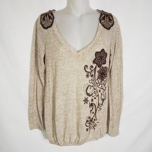 Lulumari Embroidered Applique Sweater Top V Neck
